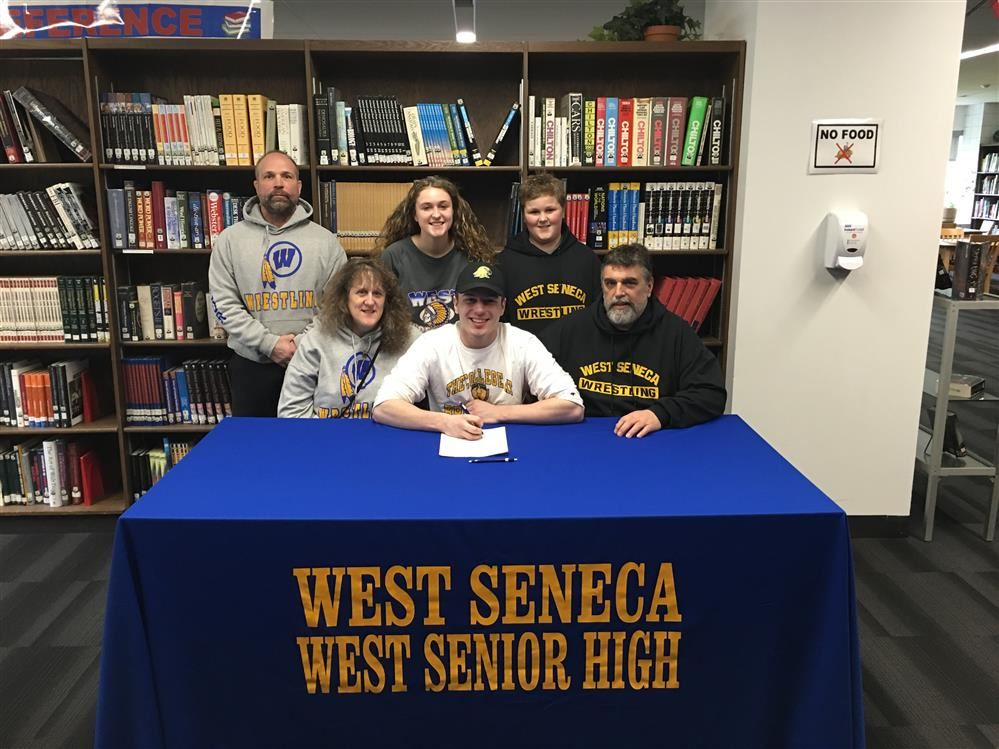 Snyder signed by Brockport